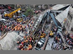 Vivekananda Bridge Collapses At Central Kolkata 10 Dead Resue Operatio