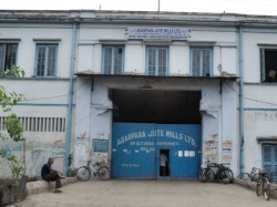 Suspention Of Work Notice Pasted In The Gate Of Kamarhati Jute Mill