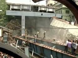 Kolkata Flyover Mishap Local People Blames Govt For Lack Of Security