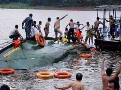 Boat Capsize In Burdwan 12 Dead Body Recover Till Now
