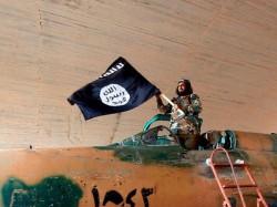 Isis Threatened Ramakrishna Mission Priest In Dhaka Bangladesh