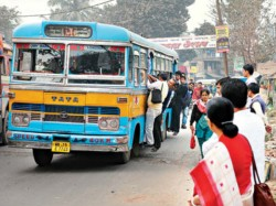 Kolkata Class 5 Student Pushed From Bus By Conductor Seriously Injured