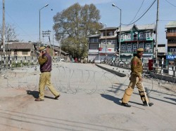 Curfew Shutdown Continue For 13 Th Day In Kashmir Valley