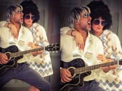 Akshay Kumar Twinkle Khanna Dress Up As Rockstars For Friendship Day