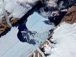 A Huge Crack Is Spreading Across One Antarctica S Biggest Ice Shelves