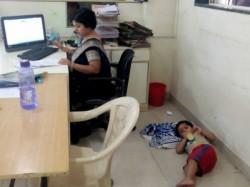 Working Mothers Hard Hitting Post Goes Viral Social Media