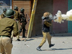 Protests Kashmir After 15 Year Old Found Dead
