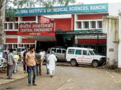 Patient Served Meal On Floor Ranchi Hospital Was Told No Plates
