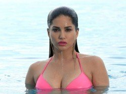 Sunny Leone Does Not Want Her Documentary Be Released India