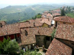 This Italian Village Has 300 People Over 100 Years Old