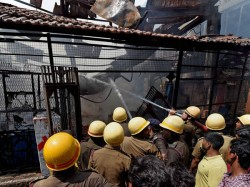 Fire Broke In Cracker Factory One Student Died West Bengal