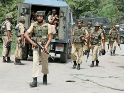 Terrorists Attack Government Building Kashmir Pampore Soldier Injured