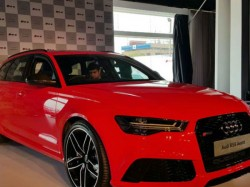 Kingpin Shaggy Gifted Rs 2 5 Cr Car Lover On Birthday