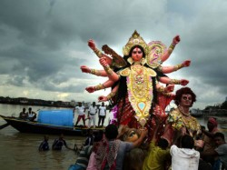 Arter Carnival Durga Idol Immersion Start River Ganga