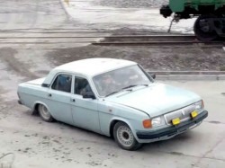 Guess How Many Russian Workers Are Squeezed Into One Car This Video