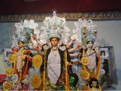 Saborno Roychowdhury Barir Durga Pujo