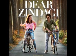 Shahrukh Alia Starrer Dear Zindagi First Poster Look Adorable