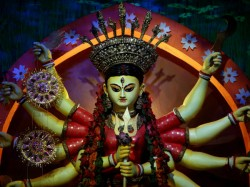 Today Mahanabami Kolkata Enjoys Last Day Puja Inspite Heavy Raining