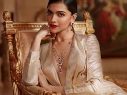 Beautiful Deepika Padukone S Look From Padmavati Revealed