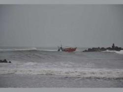 Storm Started 4 Fishermen Missing West Bengal