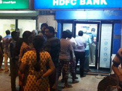 Chaos After Rs 500 Rs 1 000 Notes Go Of Circulation