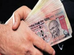 Lucknow Engineer Who Take Bribe Takes On Centre On Demonetisation