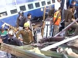 Indore Patna Express Train Derailed Pics