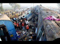 Kanpur Train Accident Dead Toll Croses 140 Many Still Stuck