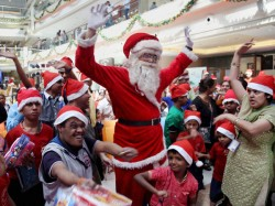 The Warmest Christmas Today That Certainly Not Hampered Celebration Mood Kolkata