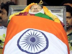 Jayalalitha Demise People Mourn Tamil Nadu Pays Tribute
