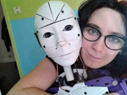 This Woman Is Love With Robot Wants Marry It