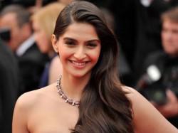 Sonam Kapoor S Best Actress Award Speech Goes Wrong