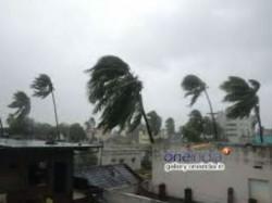 High Alert As Cyclone Vardah Likely Hit Tamil Nadu Andhra Pradesh