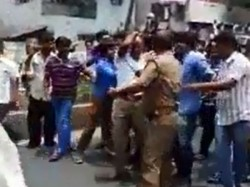 Mind Your Language Karnataka Rakshana Vedhike Activists Thrash Techie For Speaking In English