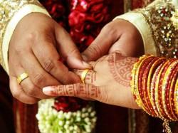 In No Cash Wedding Season Groom Gets Rs 11 Guests Served Just Tea