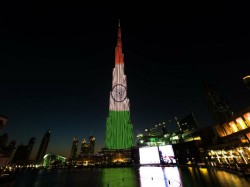 Burj Khalifa Uae Lit Up Tricolour Mark India S Republic Day