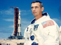 Eugene Cernan Last Man Walk On Moon Dies At