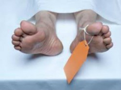 Woman Crushed Death A Stone Mangolpuri Killer Husband On Run