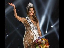 Miss France Iris Mittenaere Is Crowned Miss Universe