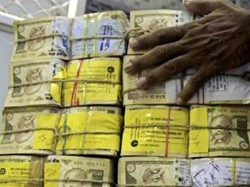 Income Tax Crackdown Begins 87 Notices Issued 42 Assets Worth Crores Under Benami Act