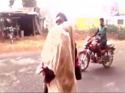 Odisha Again Father Carries Dead Daughter On Shoulder