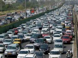 Thai Floods Cause 200 Kilometer Traffic Tailback