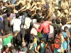Pro Jallikattu Protesters Displayed Osama Pictures Demanded A Separate Tn Nation Panneerselvam Says