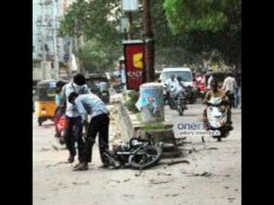 Child Dead Accident Reckless Bike Two Civic Volunteer Were Attacked