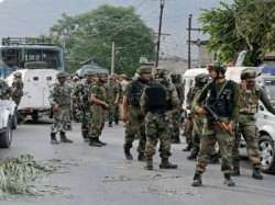Commandos Give Themselves Break Visit Home Probe Ordered