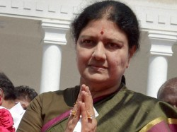 Aiadmk Split Wide Open As Sasikala Faces Party Revolt