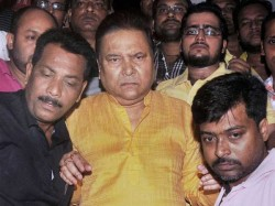 Madan Mitra Met Witha An Lift Accident Admitted Sagardutta Hospital