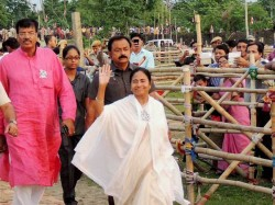 Mamata Ordered To Implement Development Work And Prevent Child Trafficking In Administrative Meeting