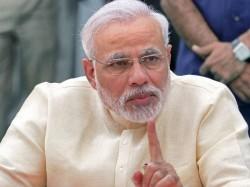 Pm Narendra Modi Takes Dig At Harvard S Nobel Winning Economist
