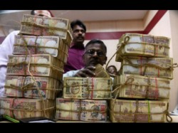 Police Recovered Rs 500 Rs 1000 Note Rs 64 Lakh From The Lawer S Car